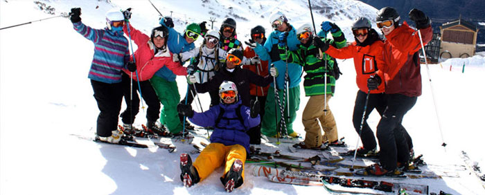 group-celebrating-peak-leaders-gap-courses